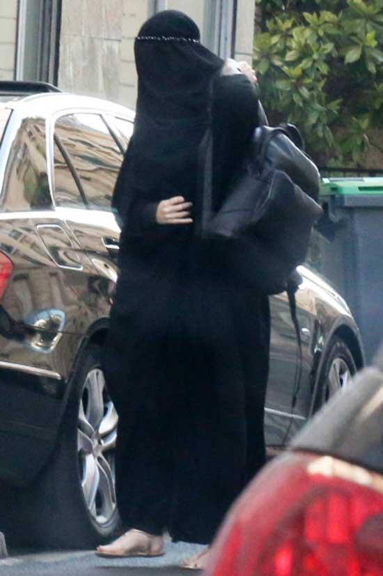 Gisele Bundchen Burqa France