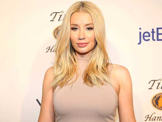 did iggy azalea get plastic surgery