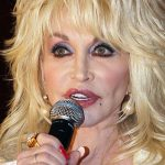 Dolly Parton Plastic Surgery pic 4