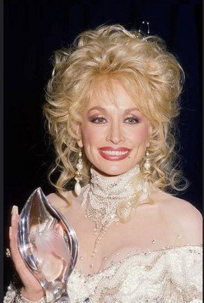 Dolly Parton Plastic Surgery pic 2